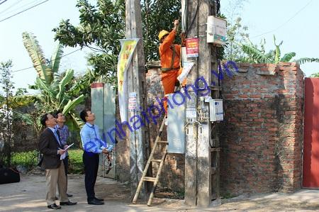 Khách hàng yêu cầu điện lực kiểm tra công tơ điện